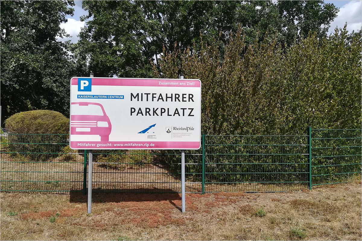 Mitfahrerparkplätze